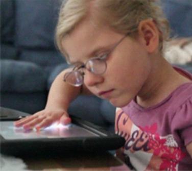 powiekszalniki-i-tablety-dla-dzieci-slabowidzacych-z-teczy-2014